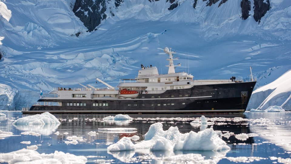 legend expedition yacht